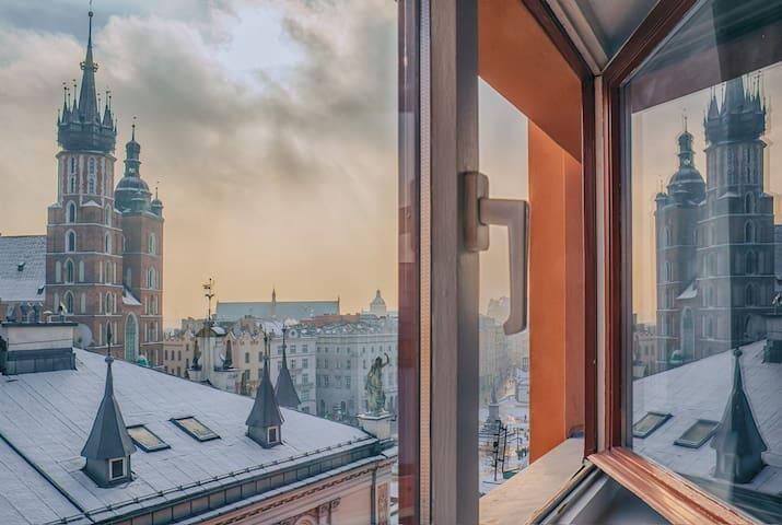 Luxury apart on Square | Top floor - Lift | 3BD - Cracovia - Departamento