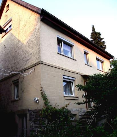 Wohlfühlen vor den Toren Heilbronns - Möckmühl - Huis