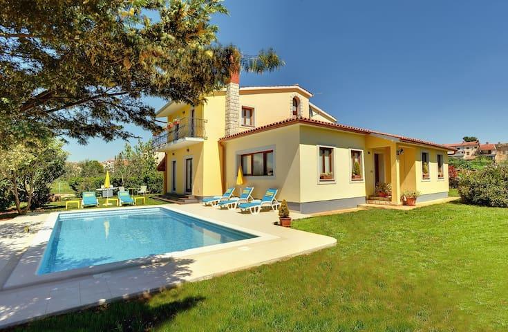 Enchanting villa with a big pool - Vodnjan - Villa