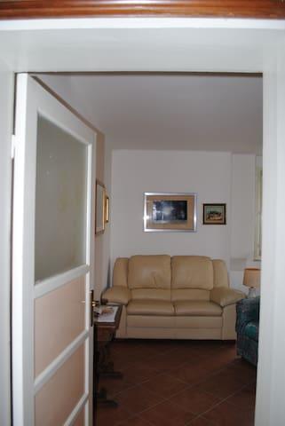 Appartamento a due passi dal centro - Salsomaggiore Terme - Appartamento