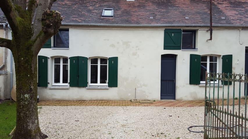 maison de village rénovée de 150m2 - Villemoiron-en-Othe