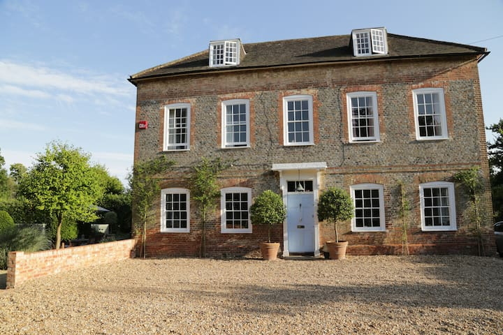 A beautiful Hampshire Farm House - Catherington - Hus