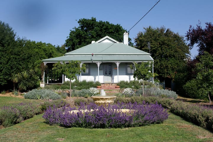 The Wash House - Kyneton - Bed & Breakfast