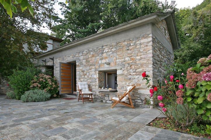 The Modern Cottage - Vizítsa - Loft