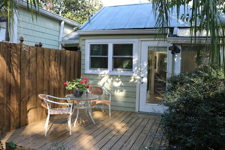 Cozy Cottage - Walk to Downtown - Gainesville - Appartement
