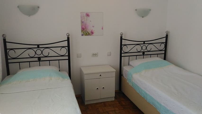 Cosy private room close to Sea - Ayvalık - Dům
