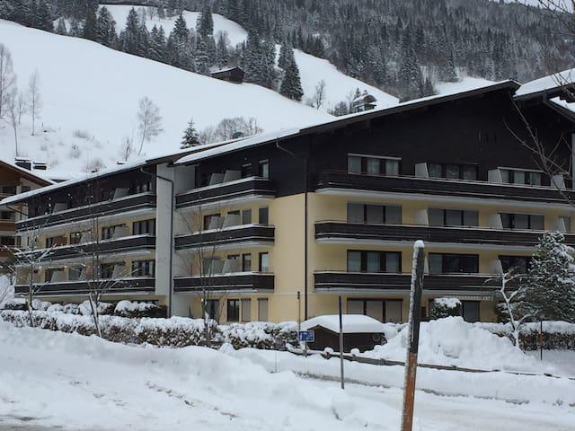 Saalbach ground floor apartment - Saalbach-Hinterglemm - Apartament
