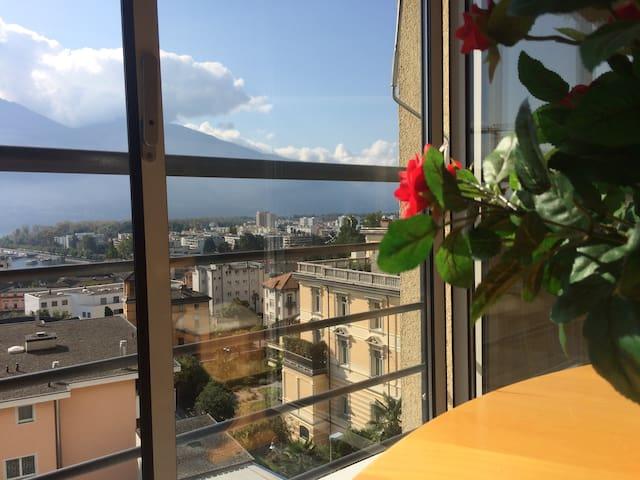Stadtwohnung für Sonnenhungrige - Muralto - Leilighet