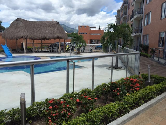 Baratisimo Apartamento con piscina - Ibague  - Appartement