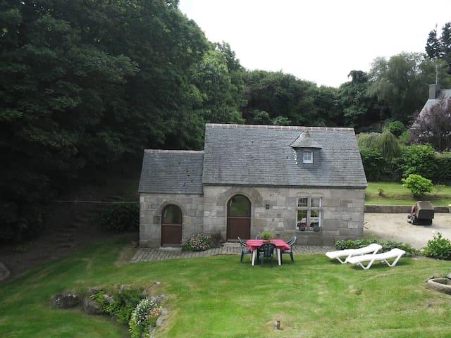 petite maison en pierre vue mer - Saint-Pol-de-Léon