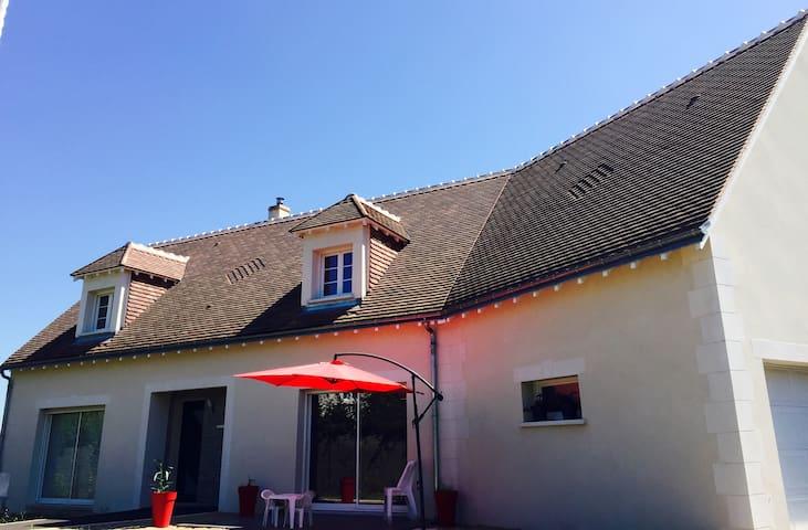 Chambre privée proche Châteaux de la Loire (v) - Azay-sur-Cher - Huis