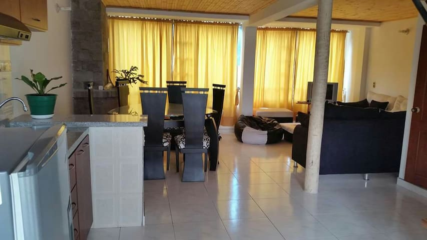 Alquiler casa amoblada Paipa - Paipa - Wohnung