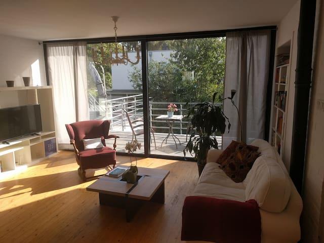 3 Zimmer Wohnung (80 qm) mit großer Sonnenterrasse - Neuss - Byt
