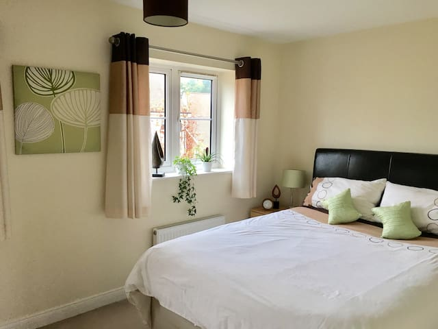 A home from home - Bracknell - 獨棟