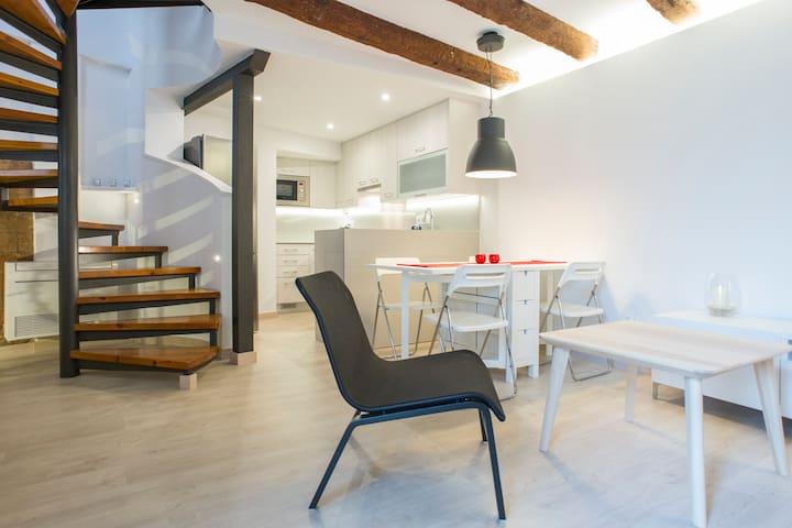 House in a spa town near Barcelona - Caldes de Montbui - Casa