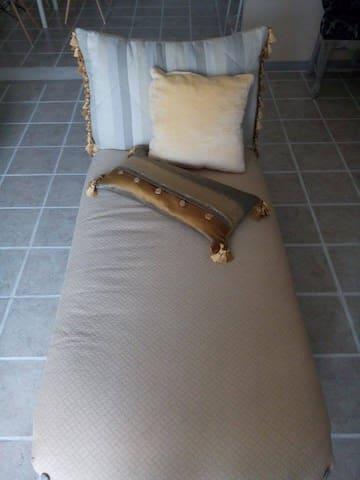 A comfy couch near Viimsi - Viimsi