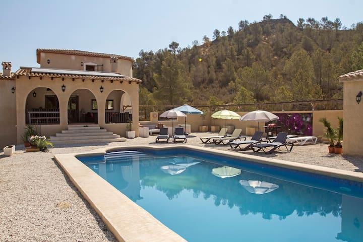 Beautiful Villa for 6-8 persons! - Relleu - Villa