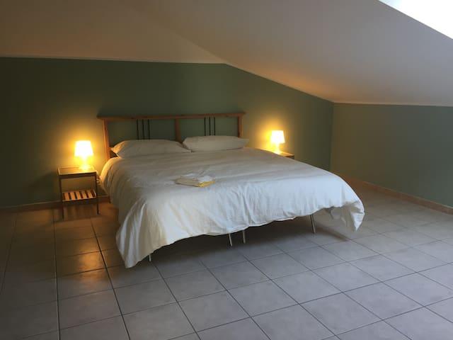 Intero appartamento mansardato a Caselle Torinese - Caselle Torinese - Appartement