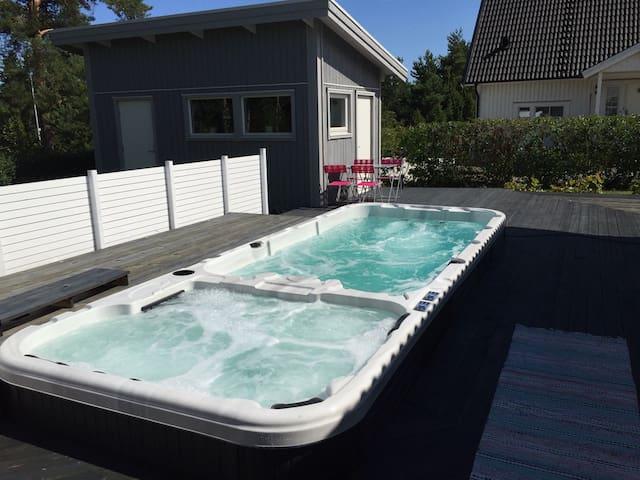 Mysig stuga - Pool och SPA - Oskarshamn