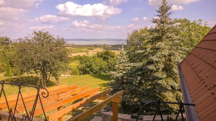 Balaton-felvidék, Hegyestű - fszint - Monoszló - Daire