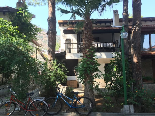 Datça Aktur'da müstakil iki katlı bahçeli - Marmaris - Ev