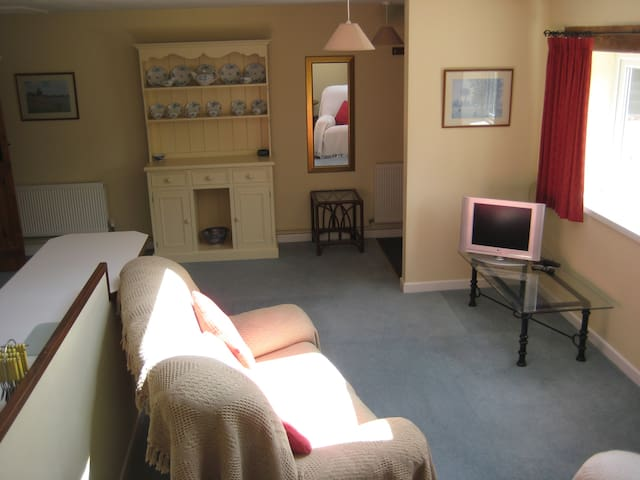 Self contained flat in rural Wilts - Longbridge Deverill - Appartement