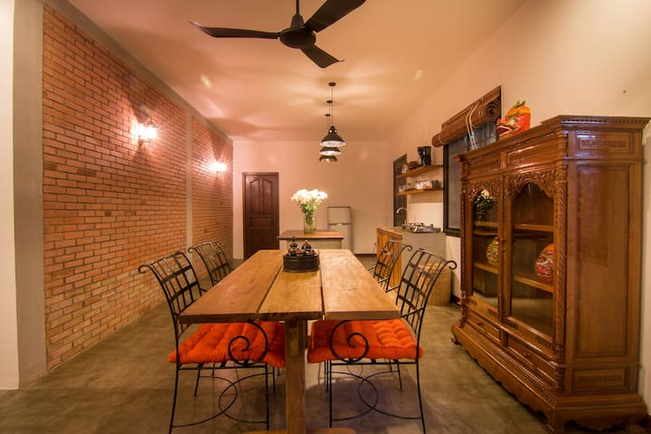 BIG Charming House + Pool & Free Pick UP - Krong Siem Reap - Casa