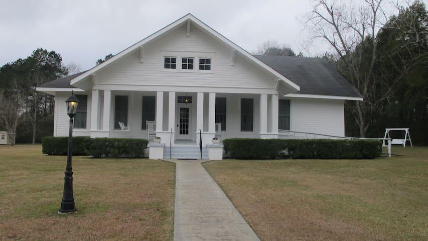 Mimi's Elegant Country Estate - Wiggins - Huis