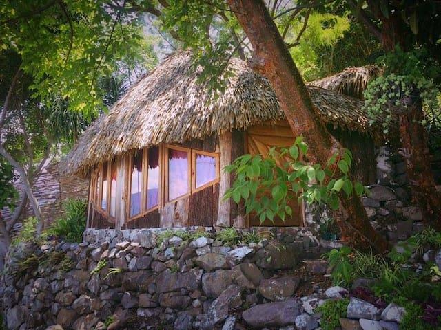 Cozy Lakeside Cabin - San Marcos La Laguna - Hytte
