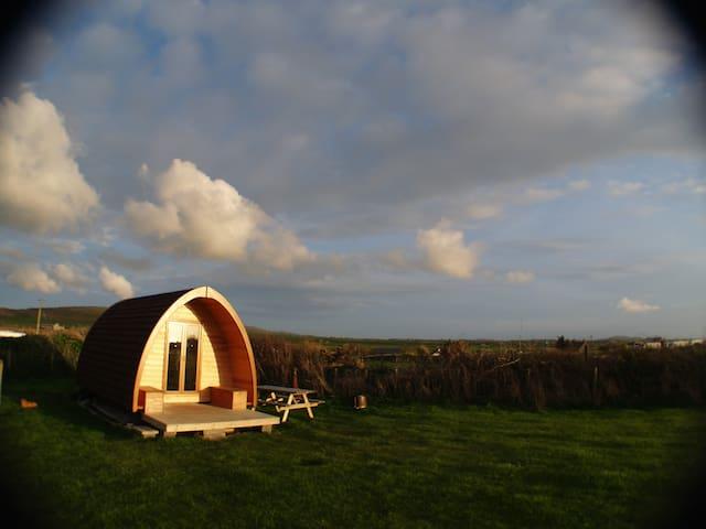 Pilgrim Pod Accommodation (Sea Field) - Pwllheli - Jurta