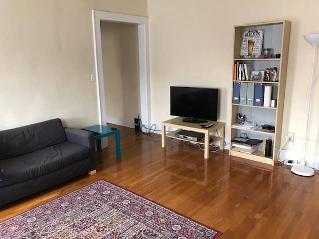 Quite and cosy 1BR apartment (close to NYC). - Kearny - Pis
