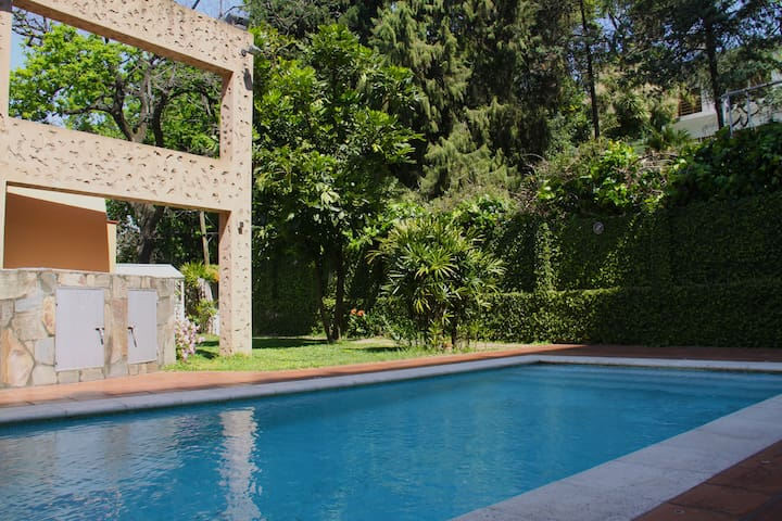 Great Spot with garden, grill and pool - Vicente López