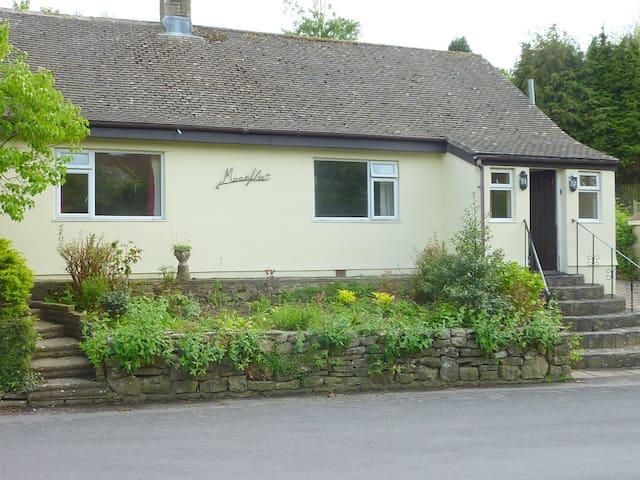 Moonfleet   big house  sunny garden - West Lulworth, Wareham - Huis