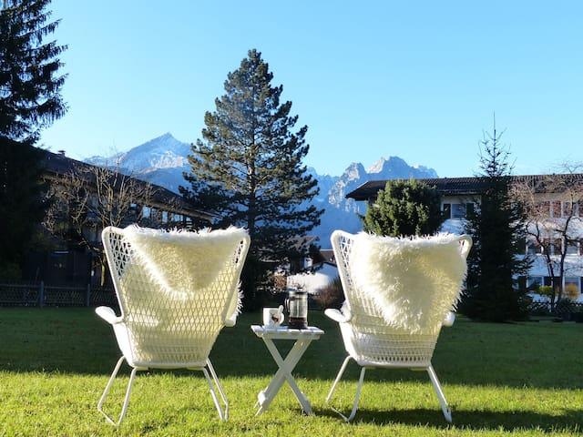 Spectacular View meets TOP Location - Garmisch-Partenkirchen - Leilighet