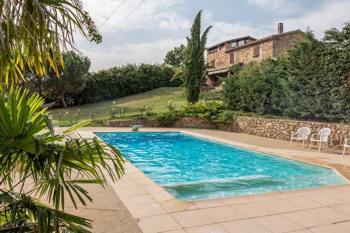 Ardèche renovated farmhouse - Peaugres