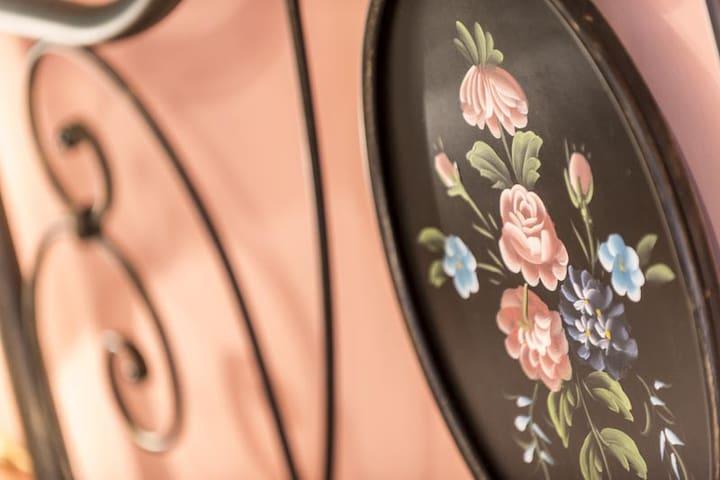 "Rose room of ""Grandparents house"" - Scanno - Bed & Breakfast"