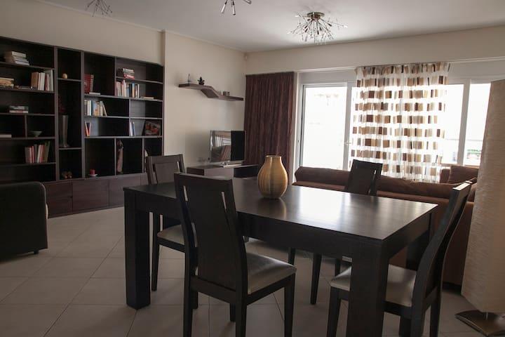 Modern apartment 90m2 near the sea - Pireas - Lakás