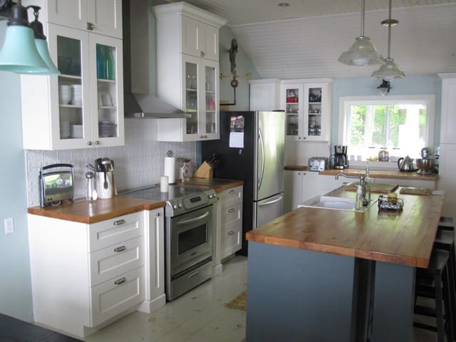 Modern bungalow cottage 2 hours from Toronto - Havelock