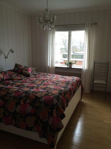 Dubbelsäng Hästens - Varberg - Hus