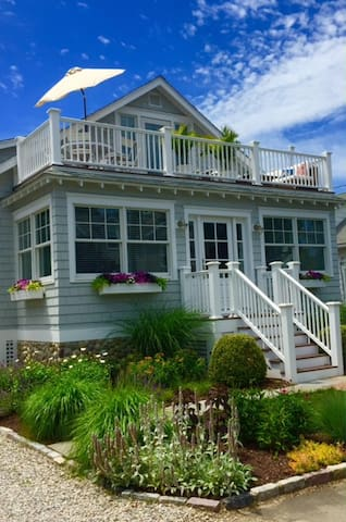 Everything you want, just steps to beach, 4BR, 2B - Westport - House