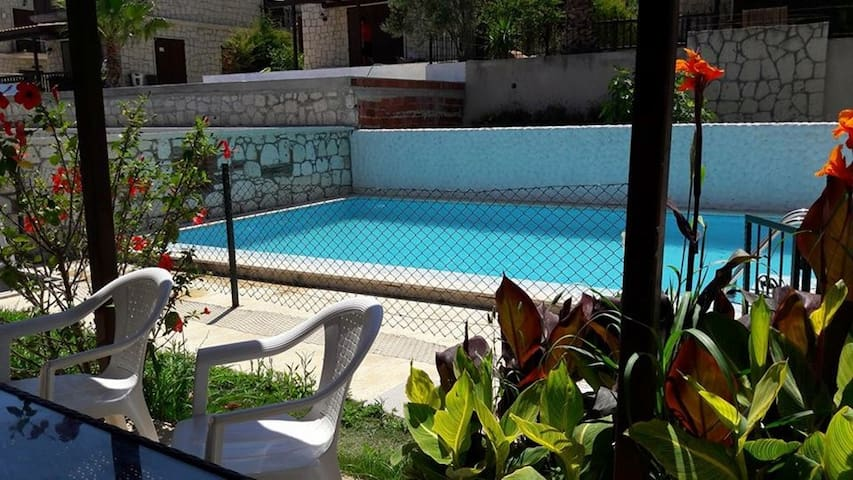VİLLA  ALAÇATI - Çeşme - Villa