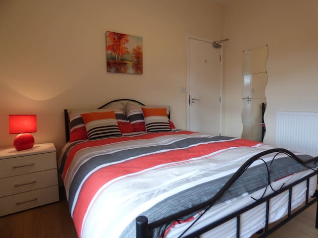 Fantastic House for Business or Leisure - Shirebrook - Hus