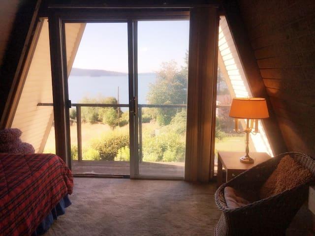 A frame house loft with views! - Гиг-Харбор - Лофт