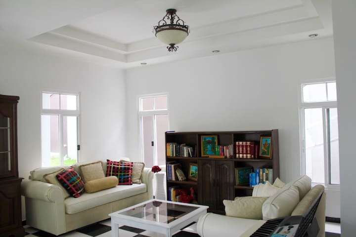 2 Floor Apt., amazing view & exclusive location! - San Pedro Sula - Lägenhet