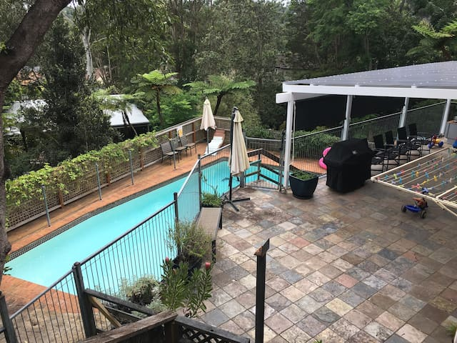 Large, child-friendly home with pool - Forestville - Huis