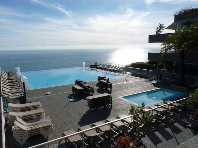 Magnificent sea view, large swimming pool - Cap-d'Ail - Apartemen