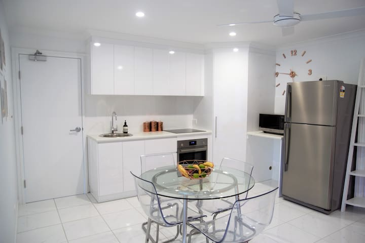Sunshine Coast Peaceful Modern Escape - Nambour - Casa de huéspedes