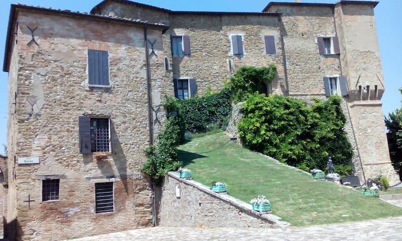 Stanza matrim. in collina Cesena - Monteleone - Casa