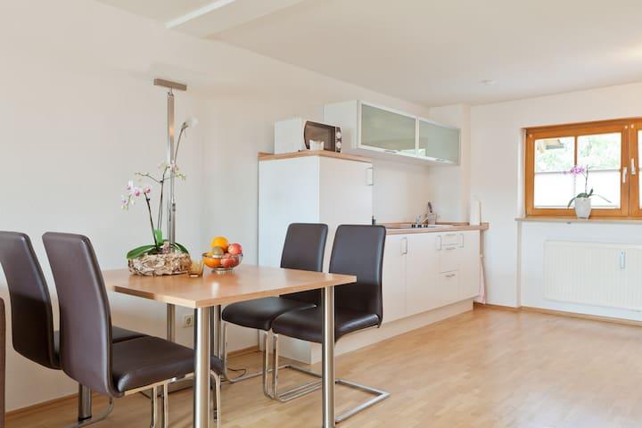 #2furnished apartement by Nuremberg - Schwaig - Huoneisto