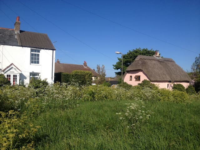 Hollybank Cottage Cherry Lane - Great Mongeham - Bed & Breakfast